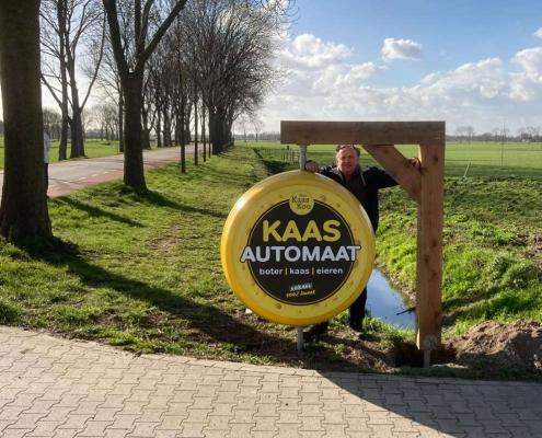 Bert van Zeelst bij Kaas automaat